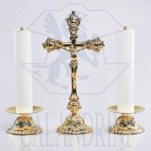 Candeliere fusione Ø 11,5 x 5,5 cm., piatto 12 cm., bossolo 4 cm.